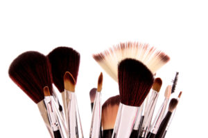Brochas-de-maquillaje-limpias