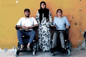 refugiados-en-silla-de-ruedas