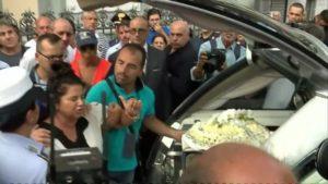 Italia:-conmoción-por-el-suicidio-de-la-joven-Tiziana-Cantone