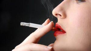 Fumar un cigarrillo al día alcanza para poner en riesgo al corazón y es peor para las mujeres