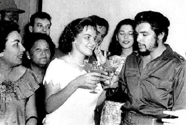 """Para la viuda del """"Che"""" Guevara, los juicios y fusilamientos en ..."""