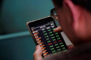 Los mercados asiáticos volvieron a teñirse de rojo en medio de la ola global de pérdidas bursátiles