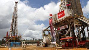 La AIE afirmó que la caída en la producción de petróleo de Venezuela es una de las peores de la historia