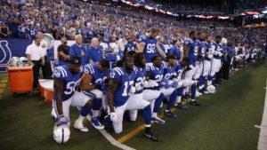 """Donald Trump dijo que los jugadores de la NFL que se arrodillan durante el himno """"no deberían estar en el país"""""""
