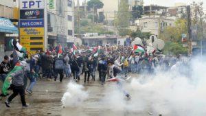 Líbano: fuertes choques entre policías y manifestantes que protestaban la decisión de Donald Trump sobre Jerusalén